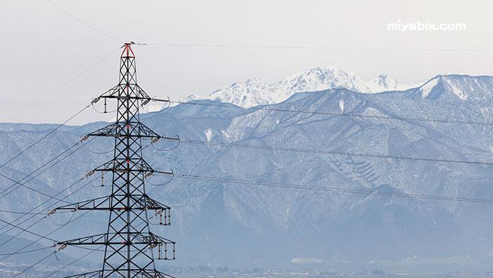 鉄塔,残雪