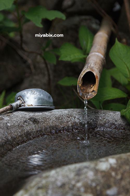 湧き水,水琴窟