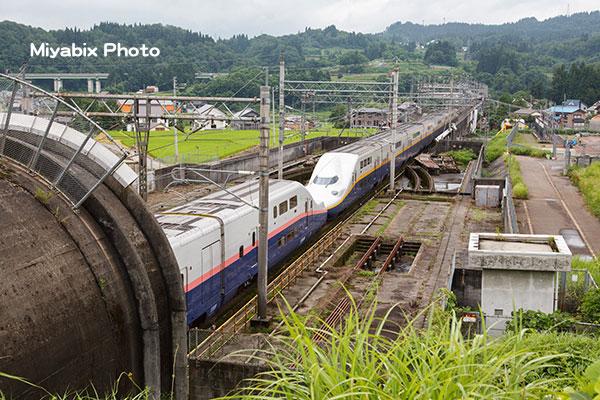 新幹線,Max,E4系