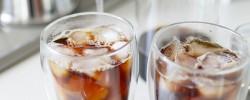 『焙煎職人』のアイスコーヒーを『ボダム』のダブルウォールグラスで飲む